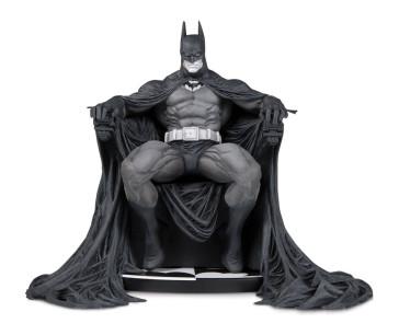 Batman Black & White Statue 15 cm by Marc Silvestri