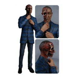 Breaking Bad Gus Fring Burned Face Actionfigur EE Exclusive 15 cm